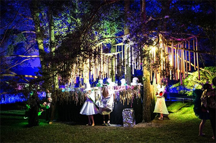 Midsummer Night's Dream Dress Festival Will Be Held On Water.